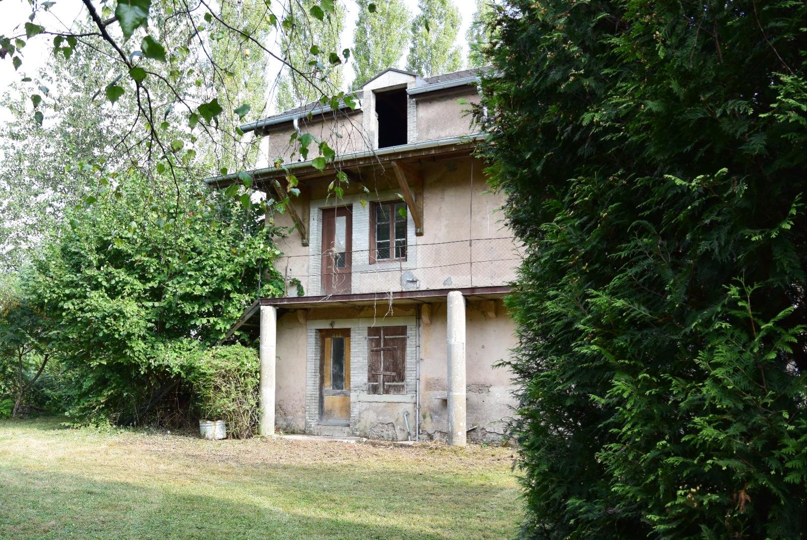 Vente au calme maison atypique en triplex r nover for Vente bien immobilier atypique